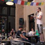 Jan Schmidt beim Fußball Slam Juni 2018 Beyerhaus Leipzig Topical Island Poetry Slam