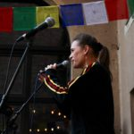 Finalistin Jessy James LaFleur auf der Bühne beim Fußball Slam Juni 2018 Beyerhaus Leipzig Topical Island Poetry Slam