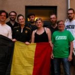 Gruppenbild aller Aufgetretenen beim Fußball Slam Juni 2018 Beyerhaus Leipzig Topical Island Poetry Slam